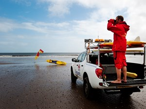 RNLI issues new safety warning as lifeguards return to more beaches in the Norfolk.