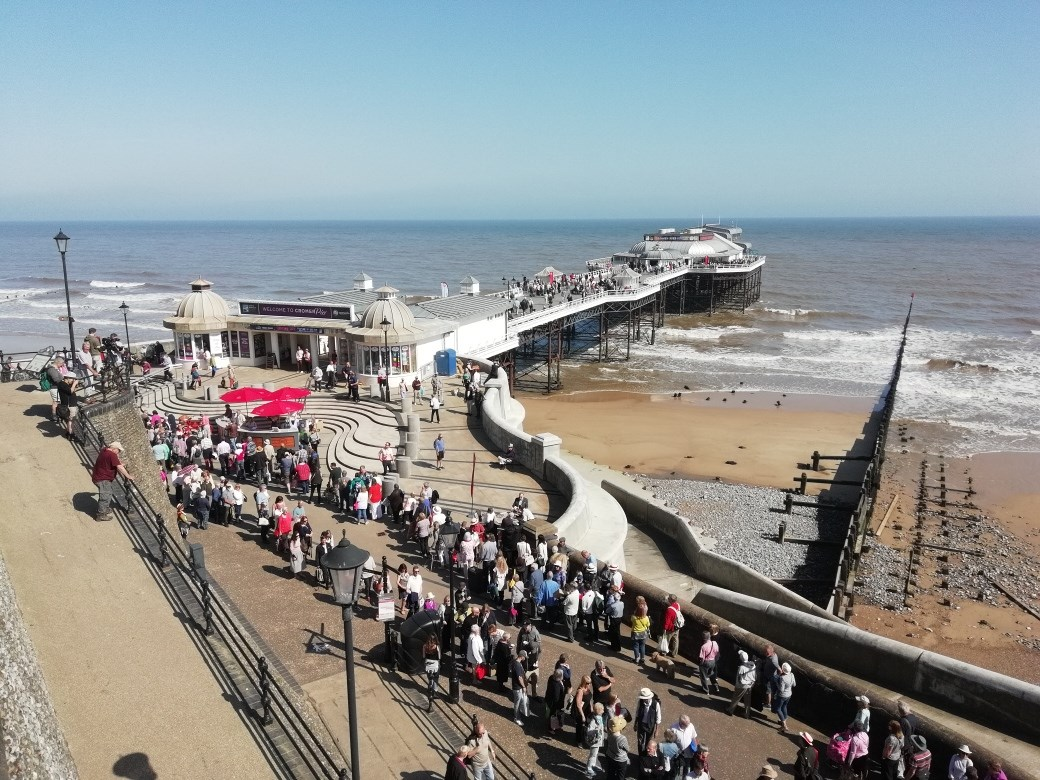 Antiques Roadshow at Cromer pier today